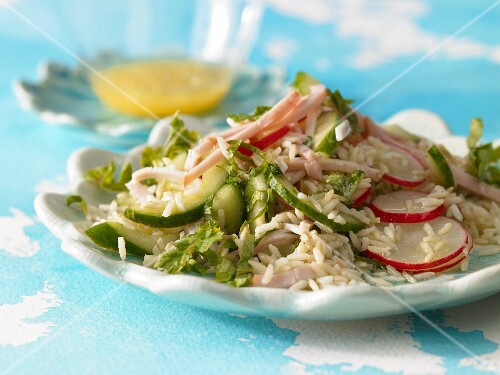 Rice salad with radish and cucumber