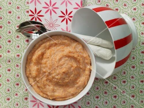 Spelt porridge with carrot