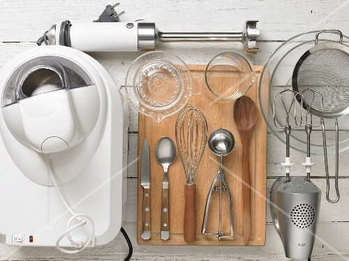 Utensils for preparing ice cream