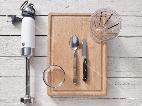 Kitchen utensils for making oat drinks