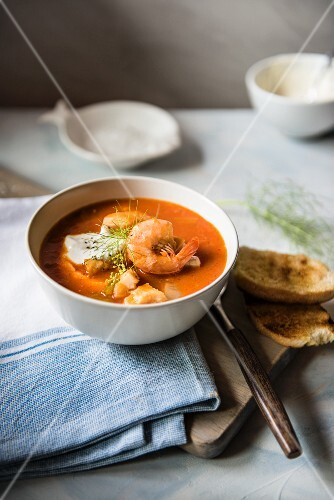 Fish soup with prawns, garlic mayonnaise and toasted bread
