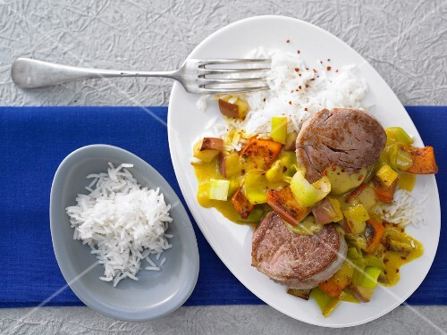 Filelt of pork with pumpkin and apple in curry and soya cream