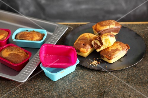 Mini marble cakes baked in silicone moulds