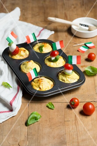 Tricolore Shirataki noodle cakes with ricotta (low carb)