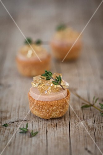 Croustades with goose liver and jelly