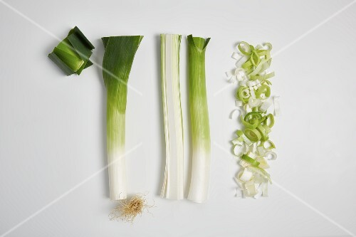Leek being washed and sliced (step by step)