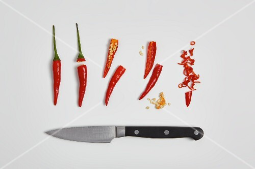 Deseeding and chopping chilli peppers (step by step)