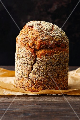 Chia and einkorn bread
