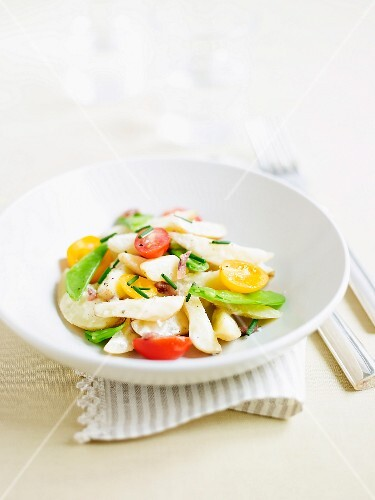 Potato salad with sugar snaps