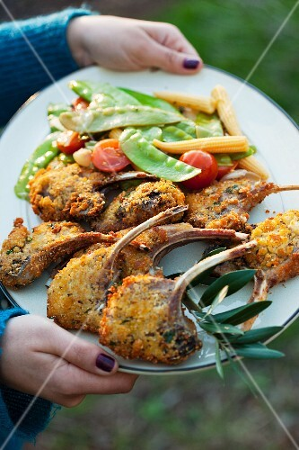 Breaded lamb chops with sugar snaps