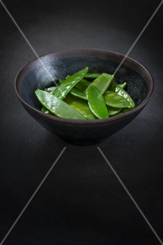 Sugar snaps in a bowl