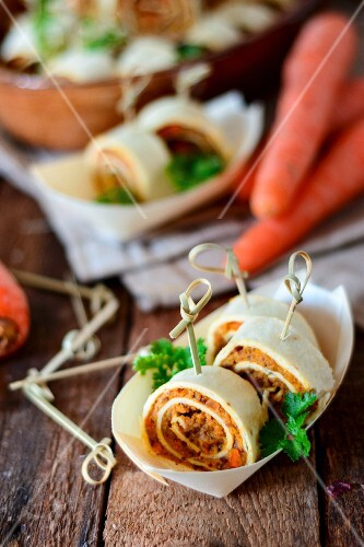 Vegan tortilla rolls with carrots