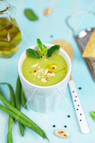 Green bean soup with mint and almonds