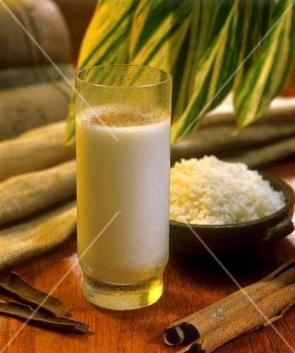 Chicha con canela (rice drink with cinnamon, Venezuela)