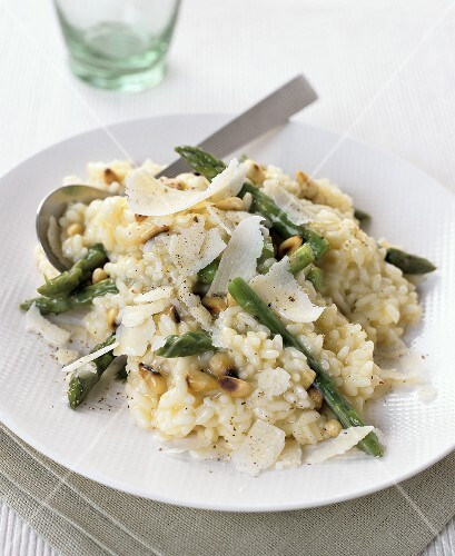 Risotto with green asparagus, Parmesan and pine nuts