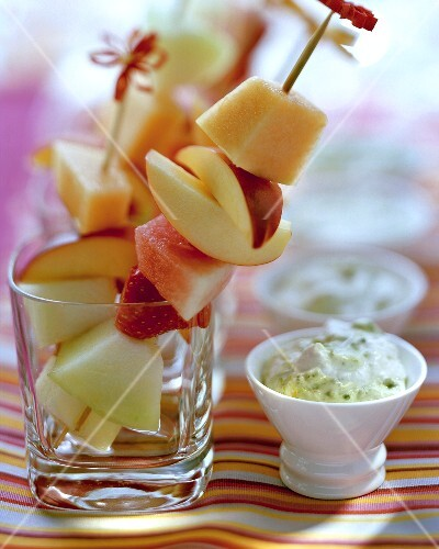 Fruit kebabs with mascarpone and pistachio dip