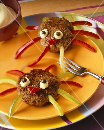 Two meat ball and pepper spiders