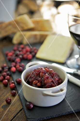 Cranberry chutney with cheese
