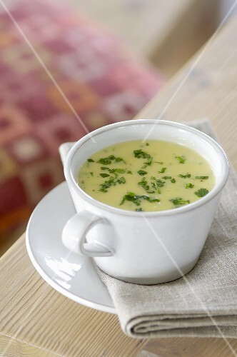 Creamed potato soup with parsley