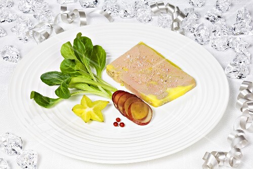Goose liver with corn salad and exotic fruit