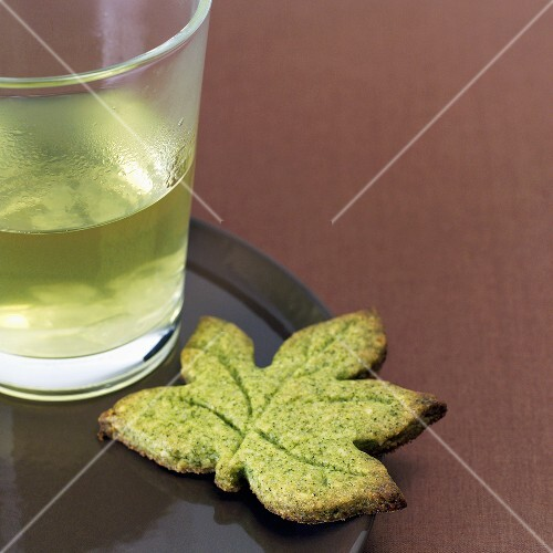 Green tea shortbread leaf