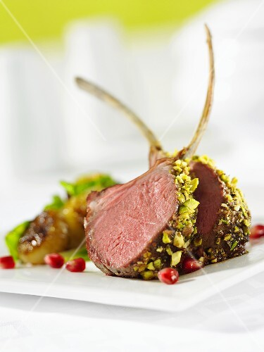 Lamb cutlets with pistachio crust