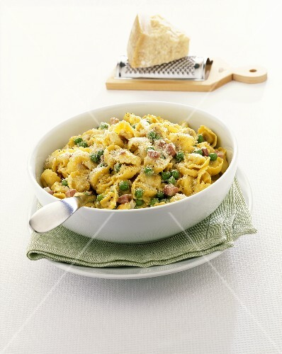 Tortellini with ham, peas and Parmesan