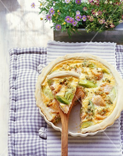 Salmon and leek quiche