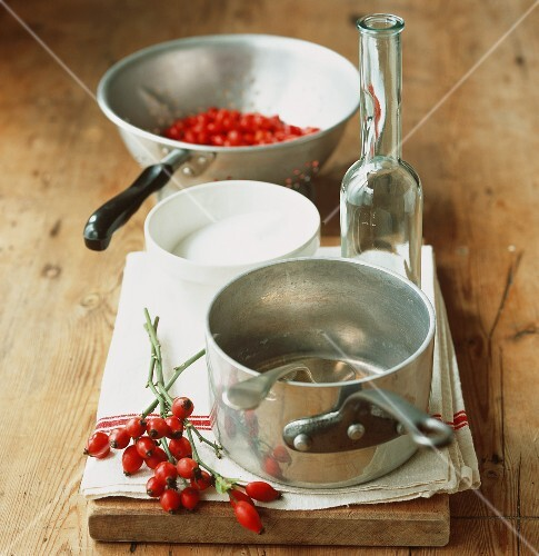 Ingredients for making rose hip syrup