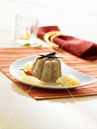Almond-semolina pudding
