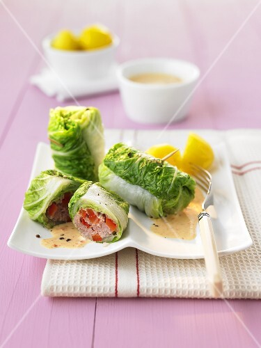 Chinese cabbage roulade with a minced meat and pepper filling