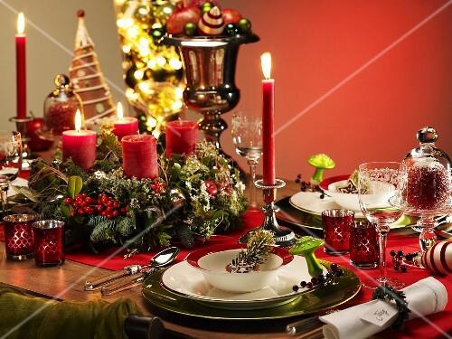 festlich gedeckter weihnachtstisch bild kaufen 358846 stockfood. Black Bedroom Furniture Sets. Home Design Ideas