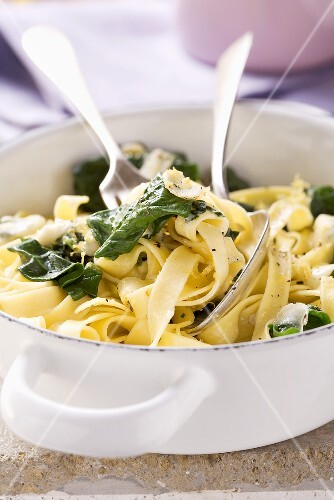 Tagliatelle with spring spinach and cheese