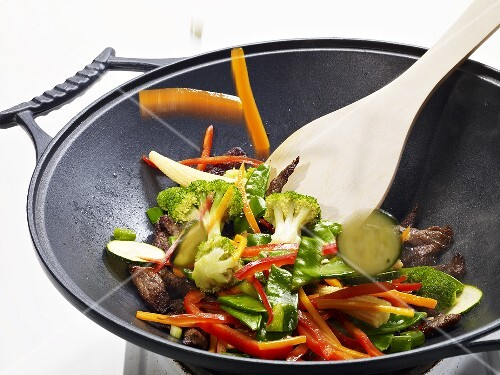 Stir-fried vegetables with beef