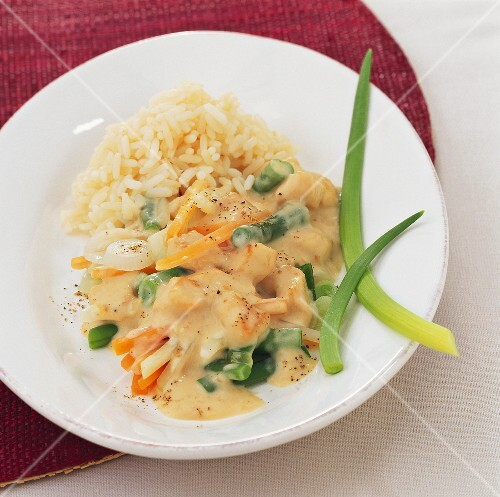 Quick chicken fricassee with vegetables