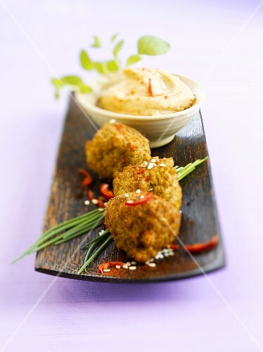 Falafel with hummus