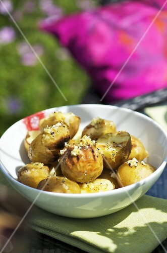 New potatoes with lemon dressing