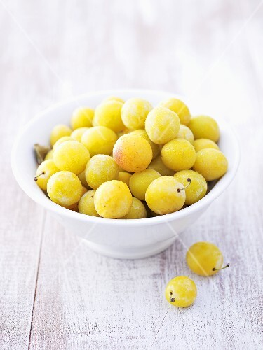 Mirabelles in bowl