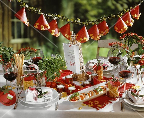 Gedeckter tisch f r italienisches essen bild kaufen for Italienische dekoration