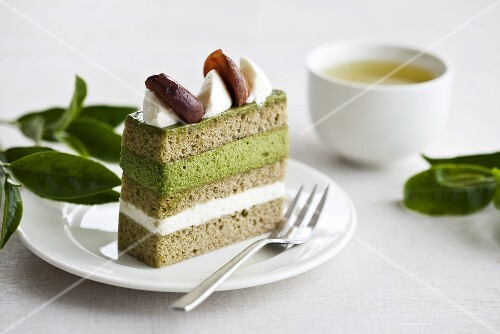 Green tea cake with chestnuts