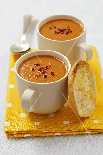 Cream of lentil soup with pink pepper