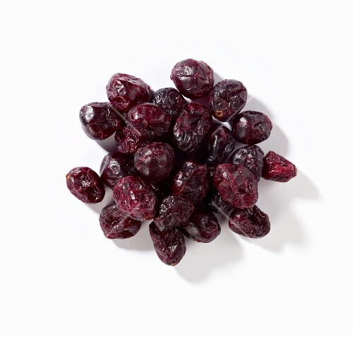 A heap of dried cranberries