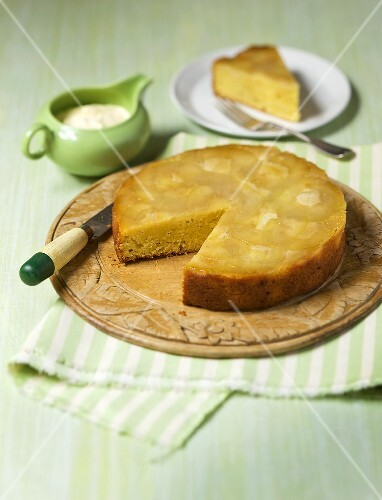 R&#252;hrkuchen mit Ananas