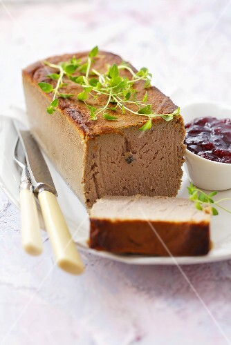 Meat p&#226;t&#233; with cranberries