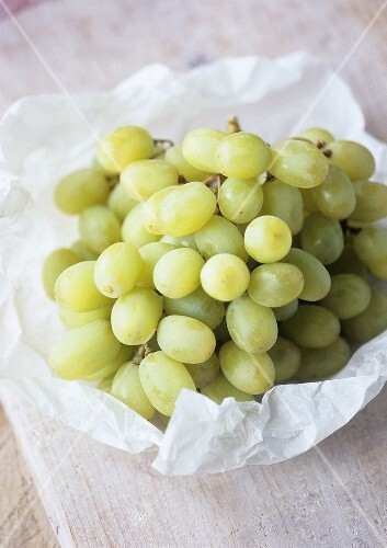 Seedless green table grapes
