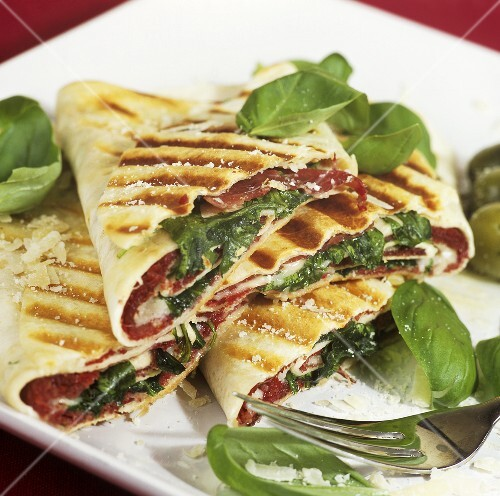 Fagottini con la bresaola (Wrap filled with bresaola)