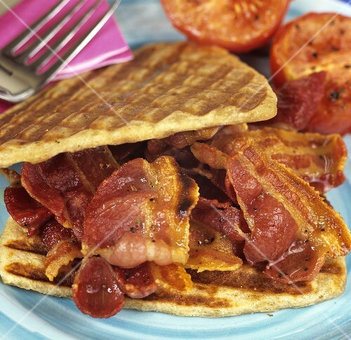 Bacon sandwich in potato waffles (UK)