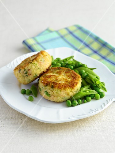 Fish cakes with pease