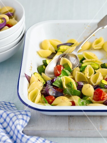 Shell pasta with summer vegetables