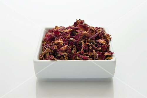 Chopped and dried rose petals (rosae flos)